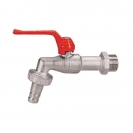 Ball valve for water drainage, with connection for hose, with lever handle.